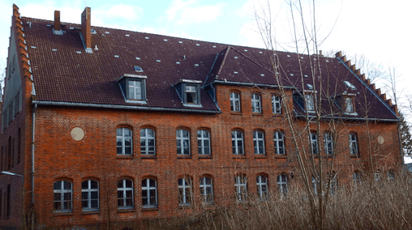 Wirtschaftsgebäude Marinelazarett Flensburg Dolphin Trust GmbH